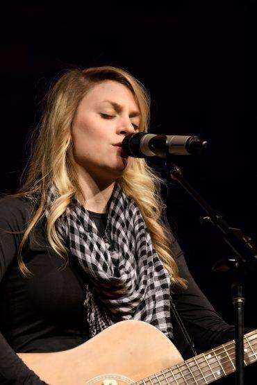 Jillian Edwards Concert